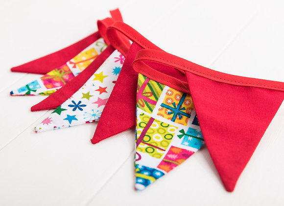 MICRO Christmas Bunting. Mix of presents, stars and red flags.