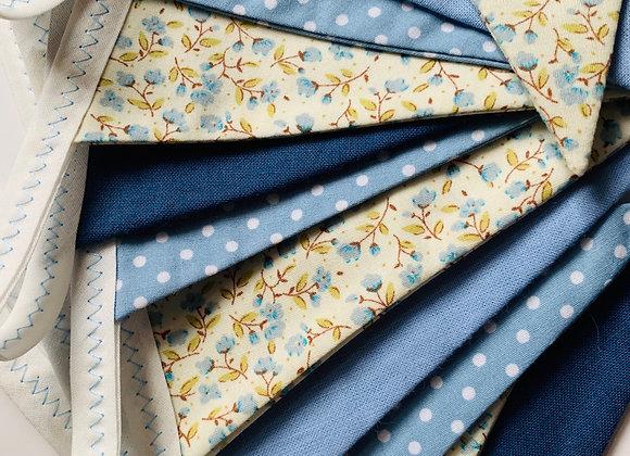 Blues - plain, floral and spots! 2m of mini size