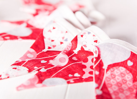 Mini Red Valentines Bunting - hearts and balloons