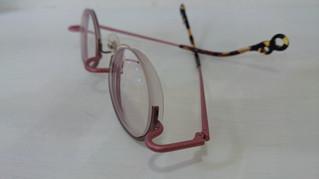レンズの厚さが・・・2。