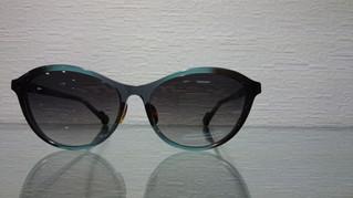 大人なサングラス。