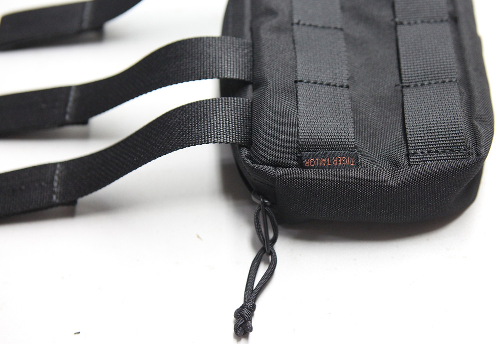 Bag with straps and zipper OEM customisable