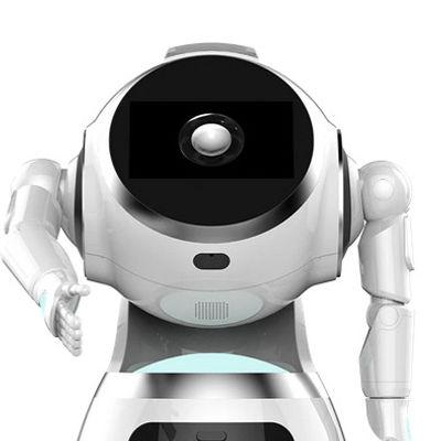 Robot humanoïde CRUZR qui veux serrer la main