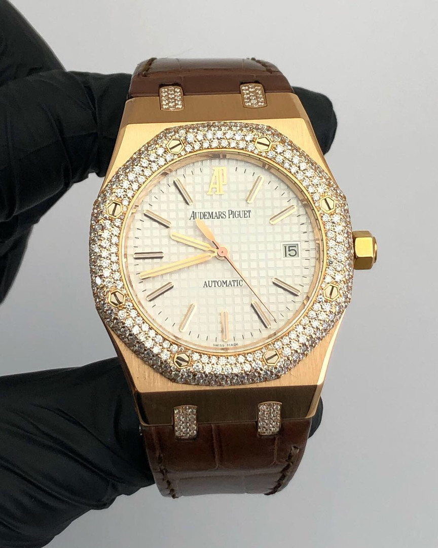 CUSTOM DIAMOND AUDEMARS PIGUET