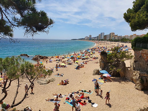SunSports, Viaje Fin De Curso en la Playa Grande de Platja d'Aro, Costa Brava.