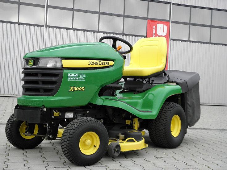 Traktorek John Deere X 300 R (110703)