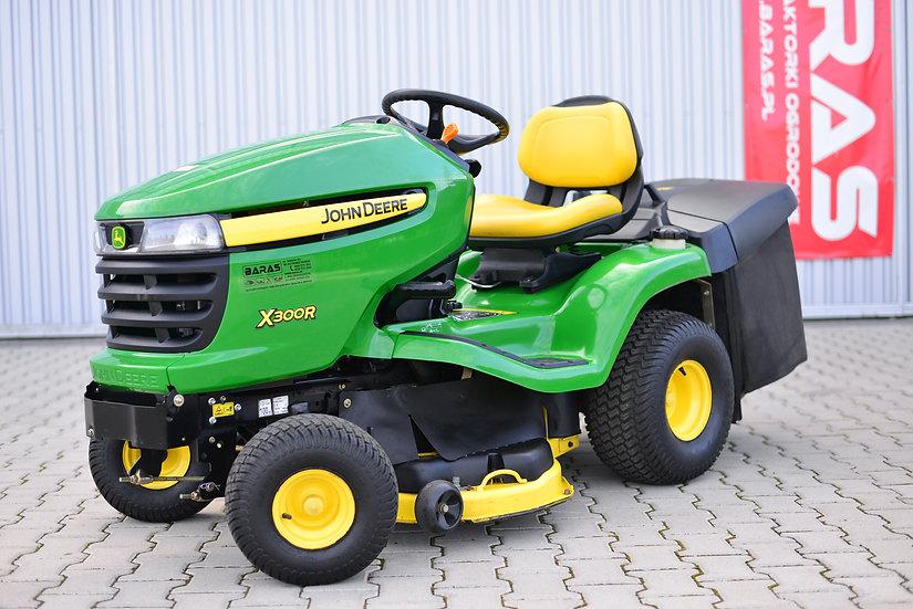 Traktorek John Deere X 300 R (250801)