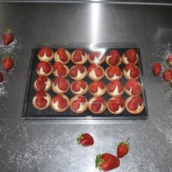 vanille creme erdbeern