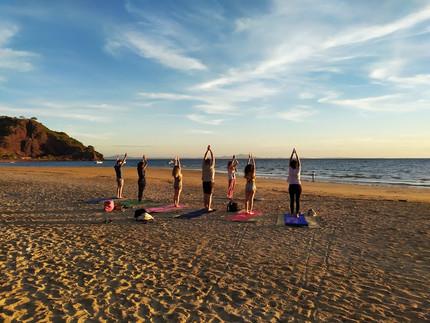 Yoga al tramonto