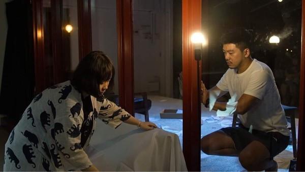 南村劇場八月份推出娩娩工作室《八月瘦了》由九位新銳演員以獨角戲方式進行演出。