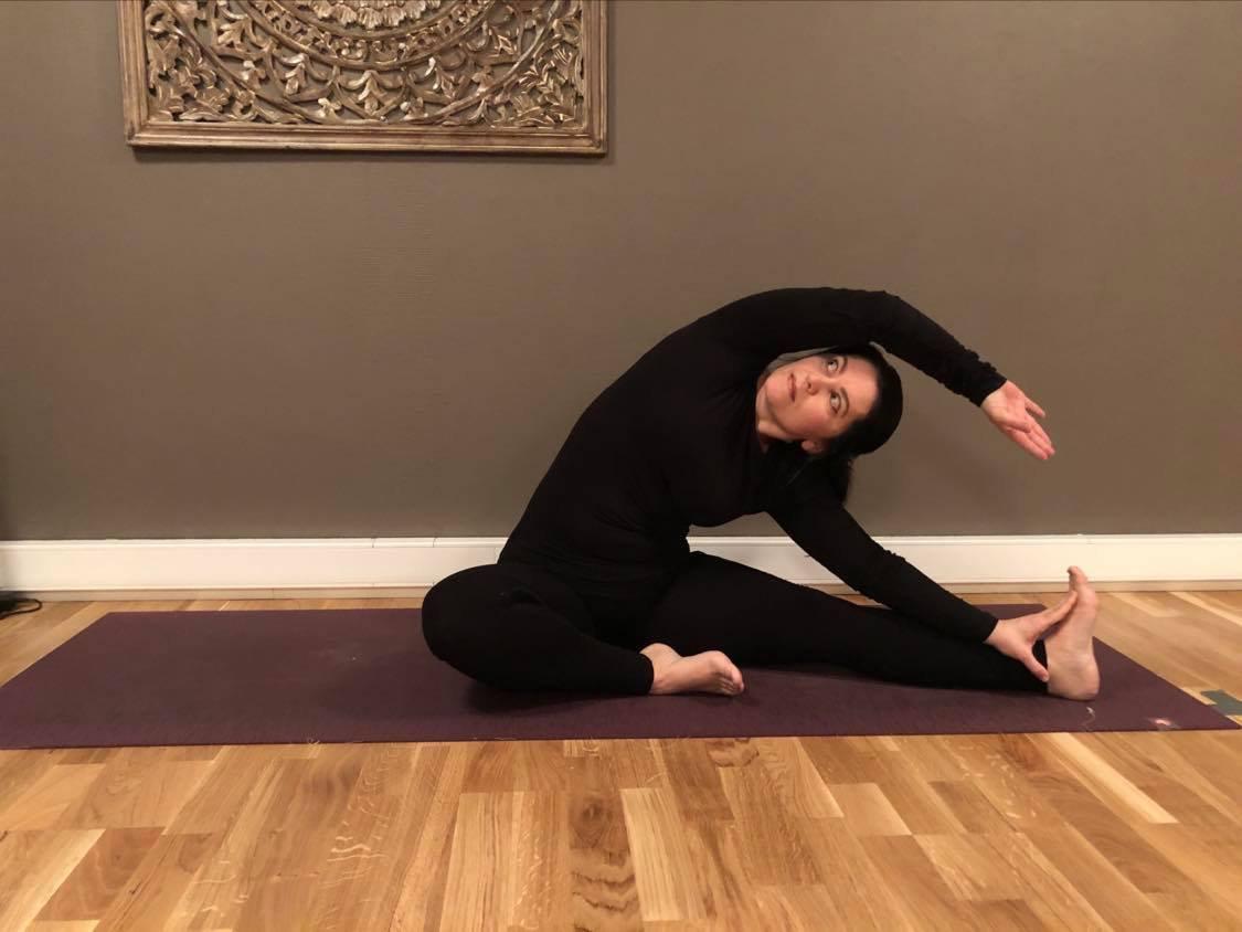 Yoga mot stress 16 uker. Lena
