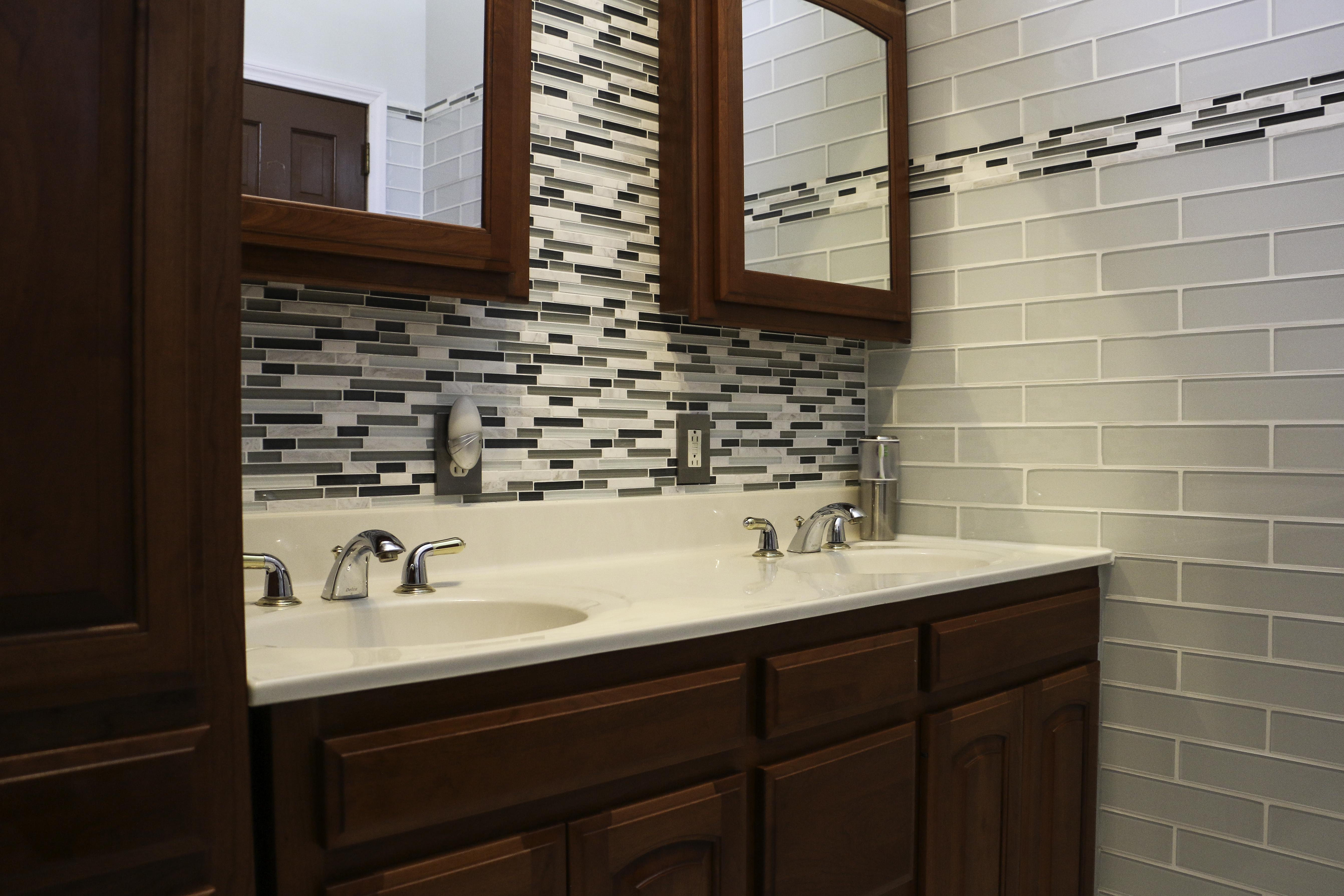 Custom Baths & Tile