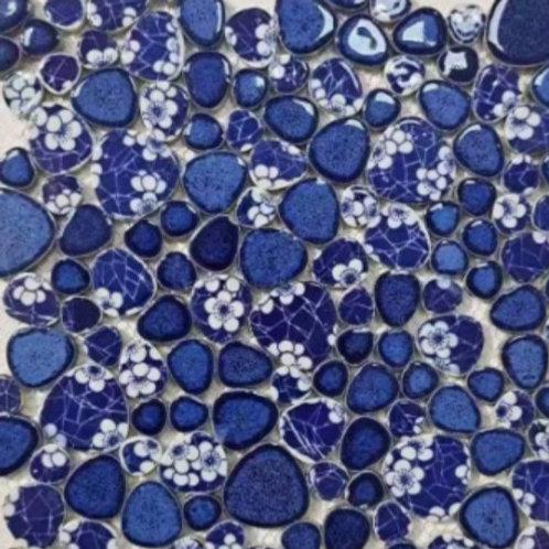 משטח טיפות כחול ופרחים