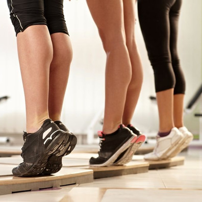 7 simple exercises to keep your legs in shape