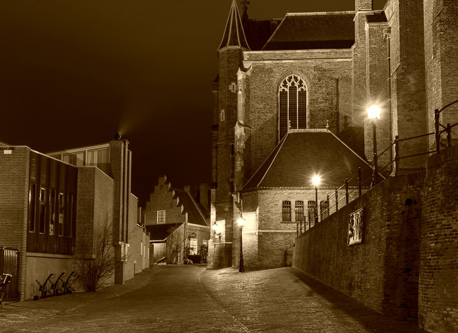 St. Stevenskerkhof by night