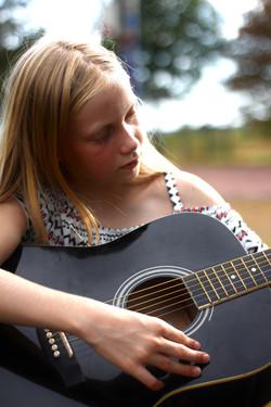 guitar-5504135_1920