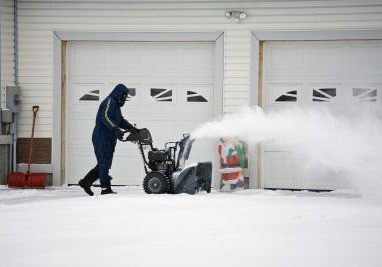 A Few Common Reasons Your Garage Door May Not be Working in the Cold