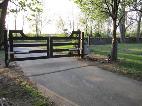 The First-Time Buyers' Guide to Selecting a Driveway Gate