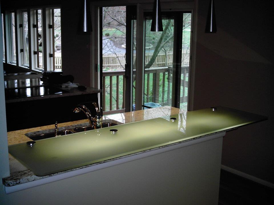 Glass - Heavy Glass Kitchen Countertop