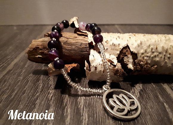 Bracelet perlé agate et lotus argenté