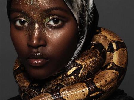 Vogue arabia e Bulgari: shooting e video con serpenti e rettili a noleggio