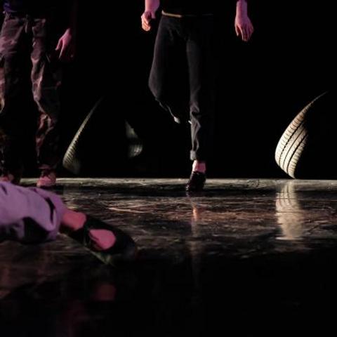 Performing Kalaschnikowa - das lied ohne Ende