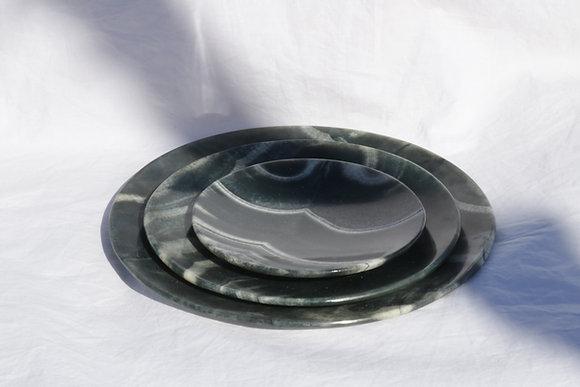 Black alabaster plate