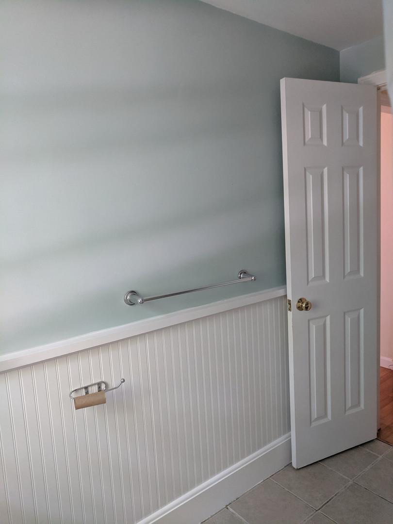 bathroom before 4