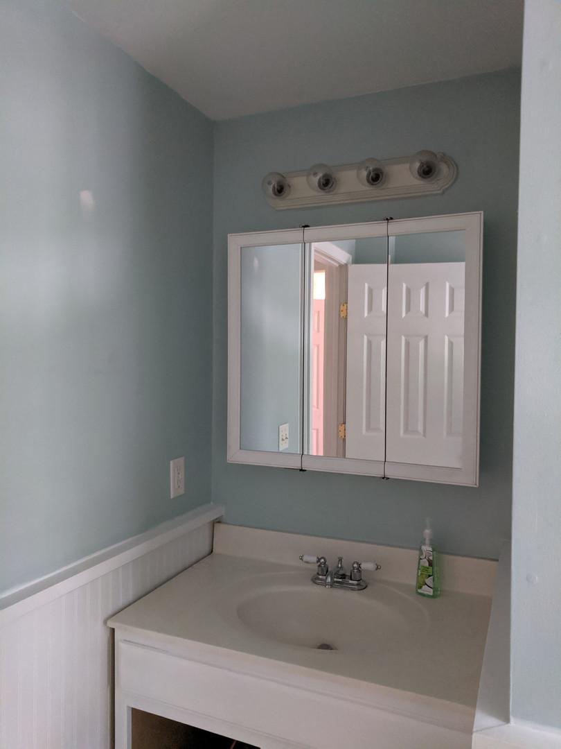 bathroom before6