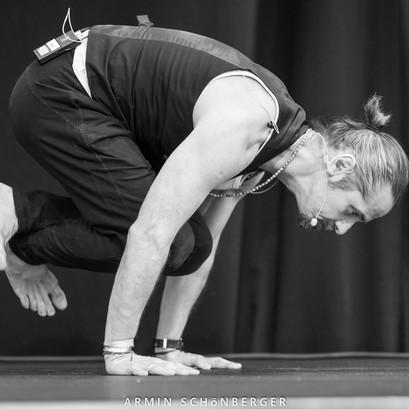 Andreas Ruhula Hatha Vinyasa Parampara Yoga