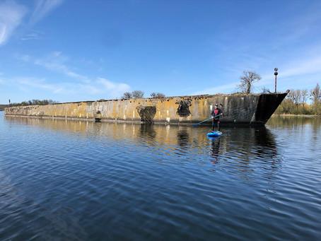 Betonowiec na jeziorze Dąbie – SUPowanie przy wraku statku z II WŚ