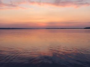 SUP SPOT – perfekcyjne zachody słońca na plaży w Lubczynie