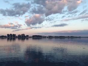 Jezioro Dąbie o zachodzie słońca – na SUPie
