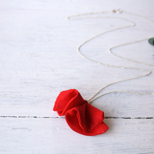 collar largo cadena de plata con flor ro