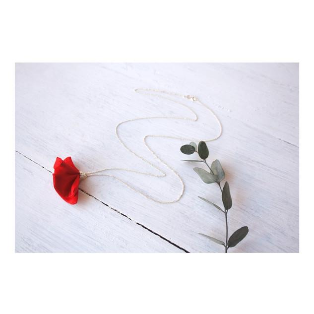 estudio varali collar largo rojo joyeria