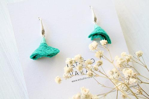 Pendientes pequeños verdes