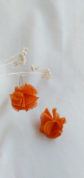 fn 2 pendientes flores naranjas pendient
