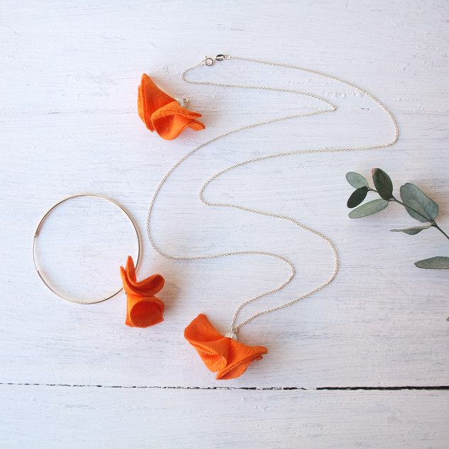 collar y pendientes estudio varali flor