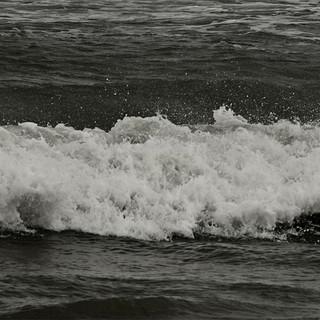 PONQUOGUE_BEACH_27.5x20.5_STOW.jpg