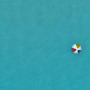 Paul Dempsey - Beach Balls - 20x40 - met