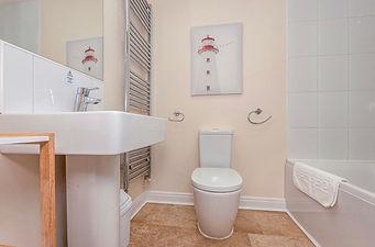 Firefly Filey Bathroom 2.jpg