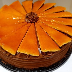 Dobos Tort (traditional) 22 cm round 16 slice