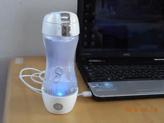 充電式携帯型水素水生成器シルキー新発売
