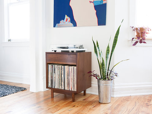 Small turntable setup for apartments - record player stand