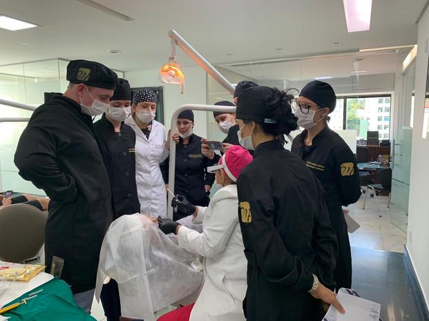 Turma de Reisdência em prática clínica com a Profa. Marília