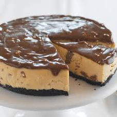 NO BAKE PEANUT BUTTER TOBLERONE CHEESECA