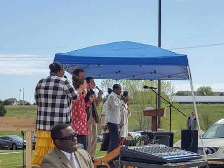 Faith Tabernacle holds Outdoor Service