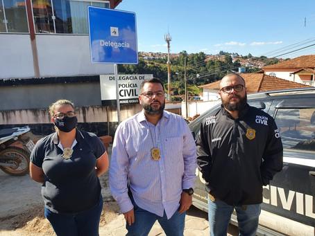 CAPELINHA – DELEGADO REGIONAL FALA SOBRE PRISÃO DE HOMEM QUE ATACOU CADELA COM MACHADO.