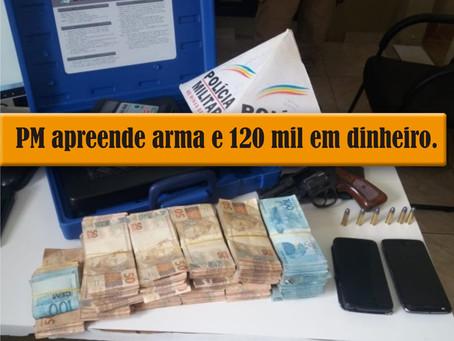 LEME DO PRADO – DUPLA É DETIDA COM ARMA E DINHEIRO.