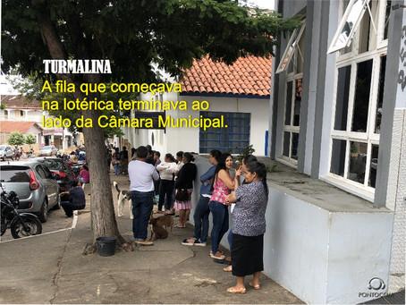 TURMALINA – LONGAS FILAS PARA RECEBER BENEFÍCIO DO GOVERNO.